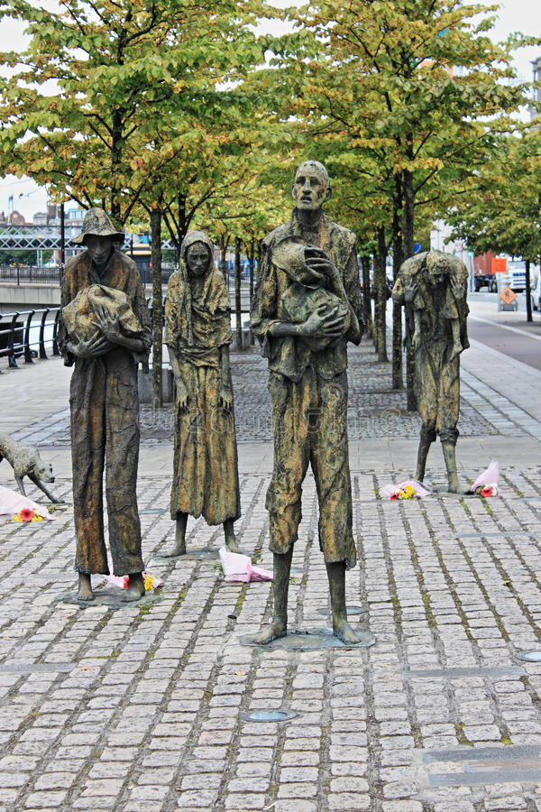 Groot Hongersnoodmonument in Dublin stock foto