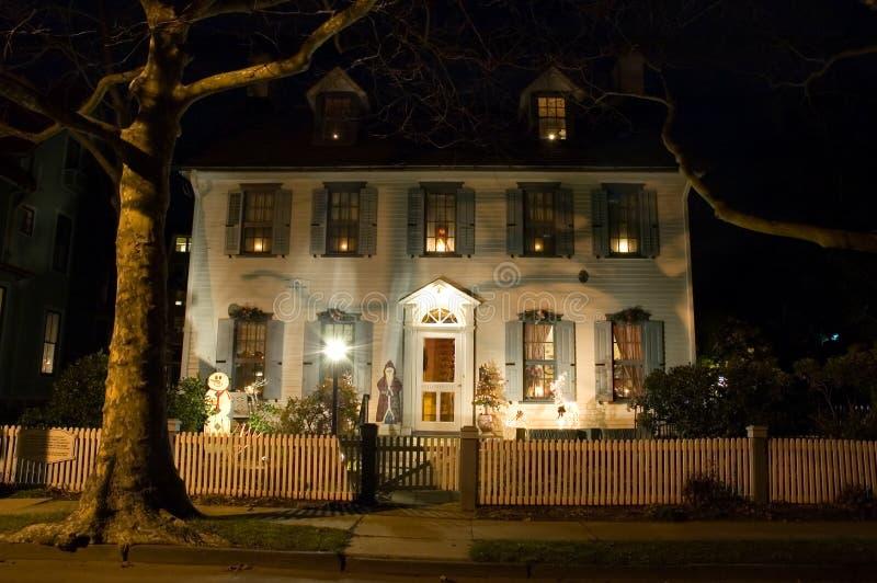 Groot huis bij Kerstmis royalty-vrije stock foto's