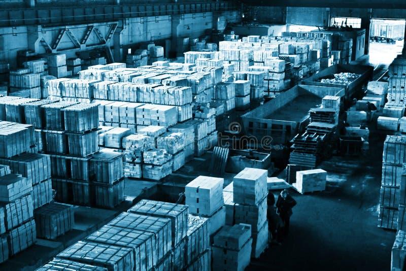 Groot industrieel pakhuis royalty-vrije stock fotografie