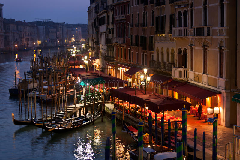 Groot Kanaal bij Nacht, Venetië. royalty-vrije stock foto