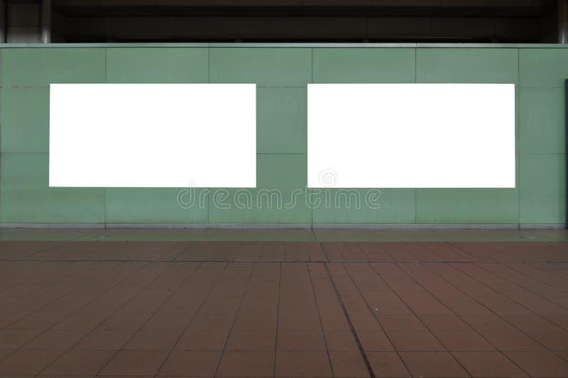 Groot leeg aanplakbord op een straatmuur stock afbeeldingen