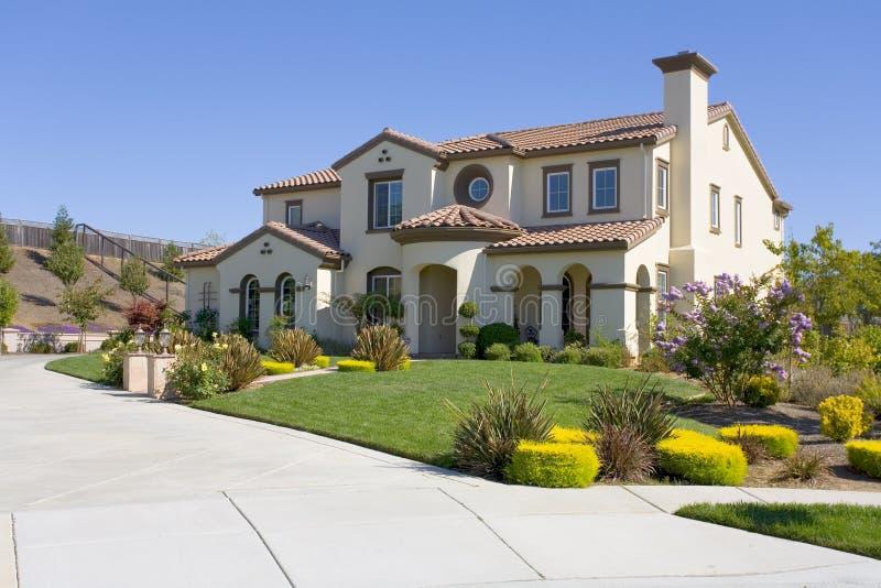 Groot Luxueus Huis stock afbeelding