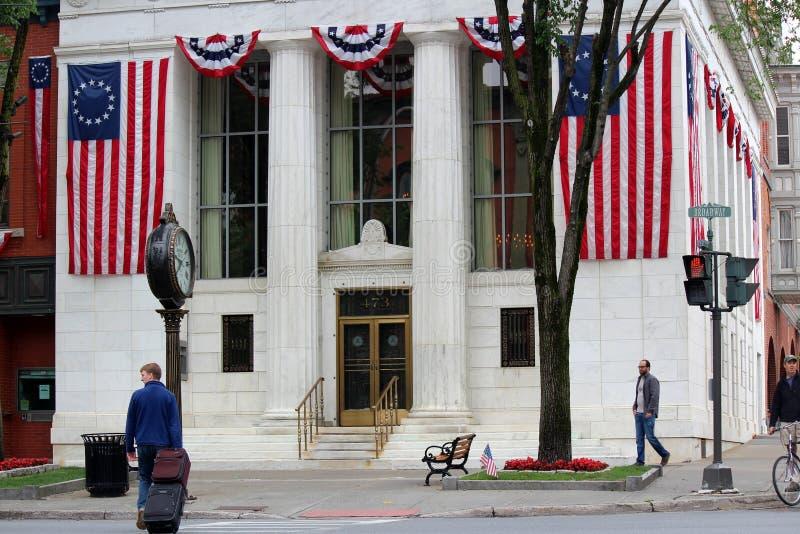 Groot marmeren de bouw tonend vakmanschap van Vermont van architect, Adirondack-Vertrouwensbank, Saratoga, New York, 2018 royalty-vrije stock foto's