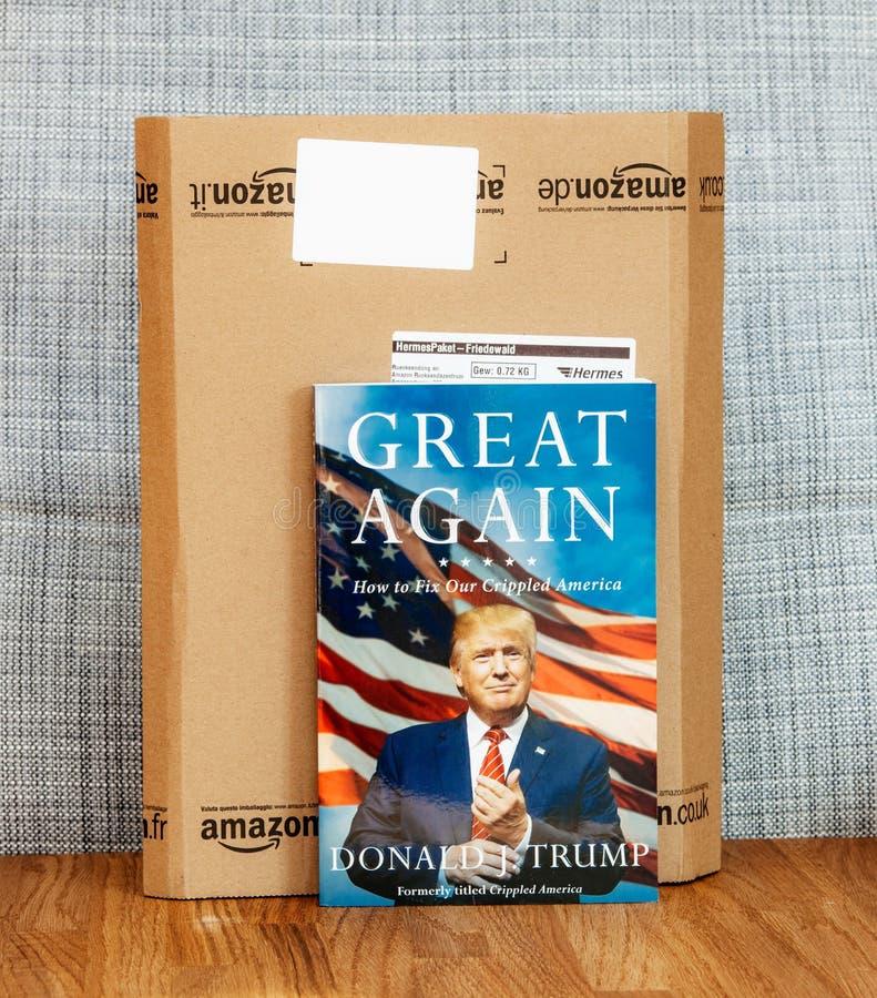 Groot opnieuw hoe te om ons verlamd boek van Amerika door Troef te bevestigen royalty-vrije stock foto's