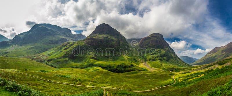 Groot panorama binnen in de hooglanden van Schotland stock afbeelding