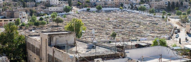 groot panorama op moslim Arabische begraafplaats in Hebron royalty-vrije stock afbeelding