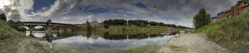 Groot panorama van de rivier van Pavia en Ticino- royalty-vrije stock fotografie