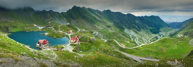 Groot panorama van Transfagarasan-weg stock fotografie
