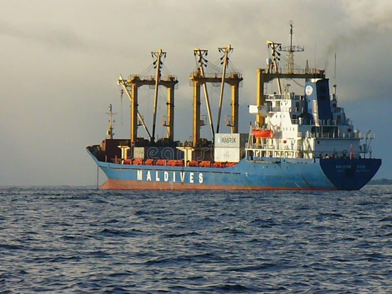 Groot schip op zee, overzeese cruise royalty-vrije stock afbeeldingen