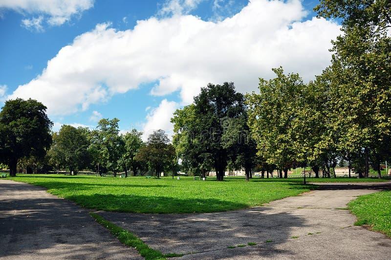 Groot stadspark stock afbeelding