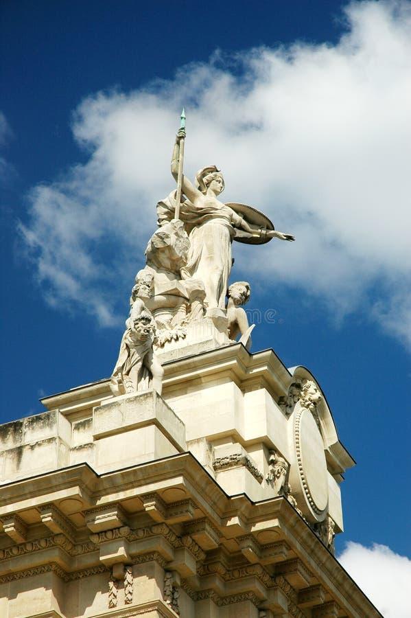 Groot Standbeeld Palais stock foto's