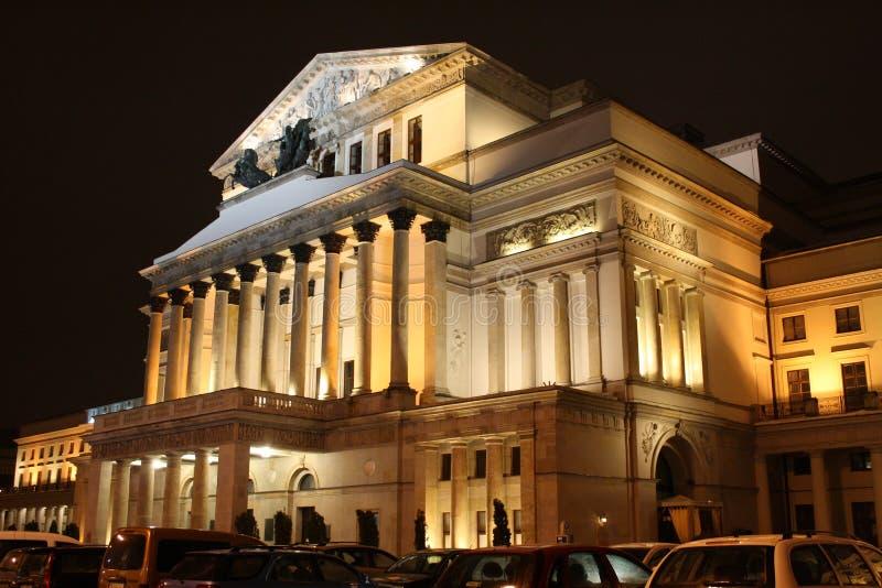 Groot Theater in Warshau (Polen) 's nachts stock afbeelding