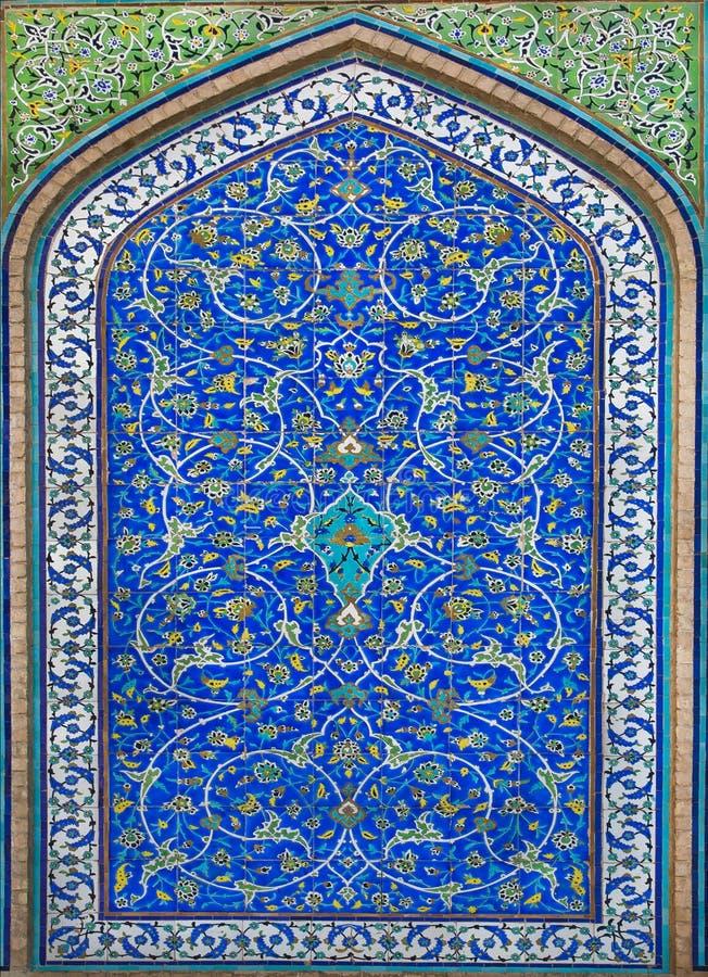 Groot voorbeeld van Islamitische cultuur - tegels met patronen en bloemen royalty-vrije stock foto