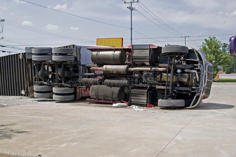 Groot vrachtwagenongeval royalty-vrije stock afbeeldingen