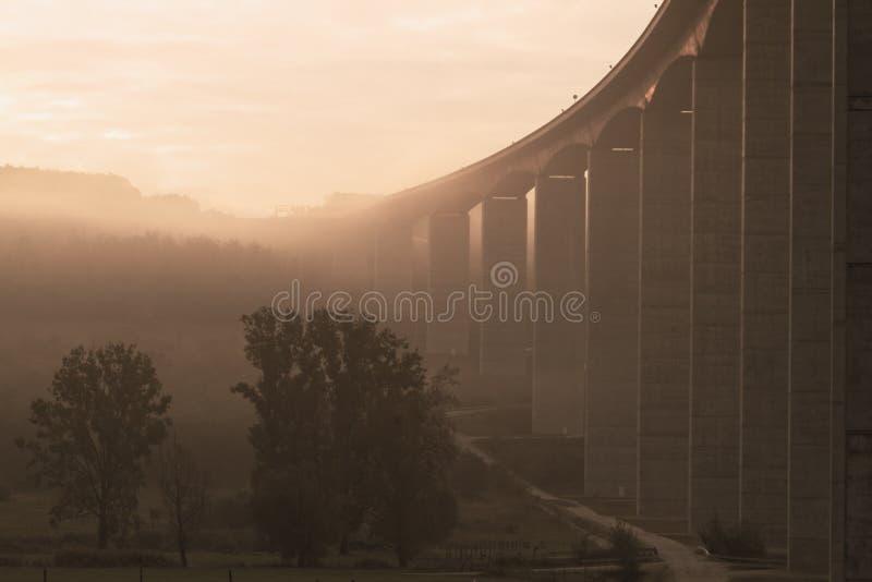 Groot wegviaduct (Hongarije) stock afbeeldingen