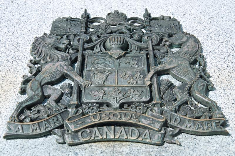 Groot zwart metaal Canadees wapenschild royalty-vrije stock afbeelding