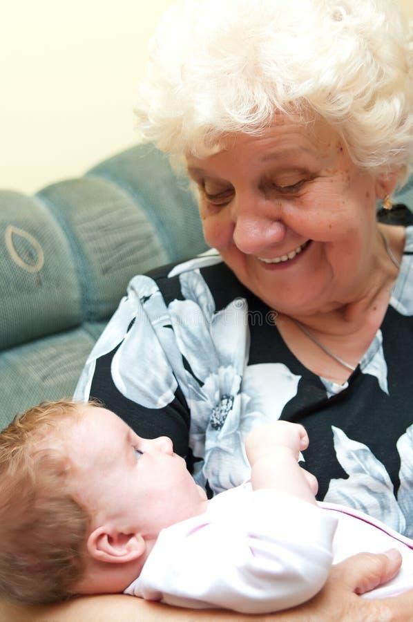Grootmoeder met babymeisje royalty-vrije stock foto's