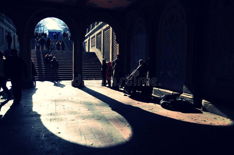Grop des chanteurs chez Bethesda Terrace, Central Park photos libres de droits