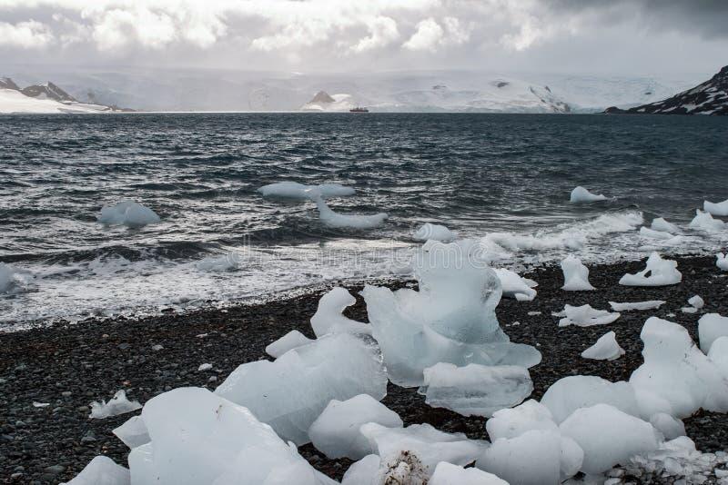 Gros morceaux de glace en Antarctique images stock