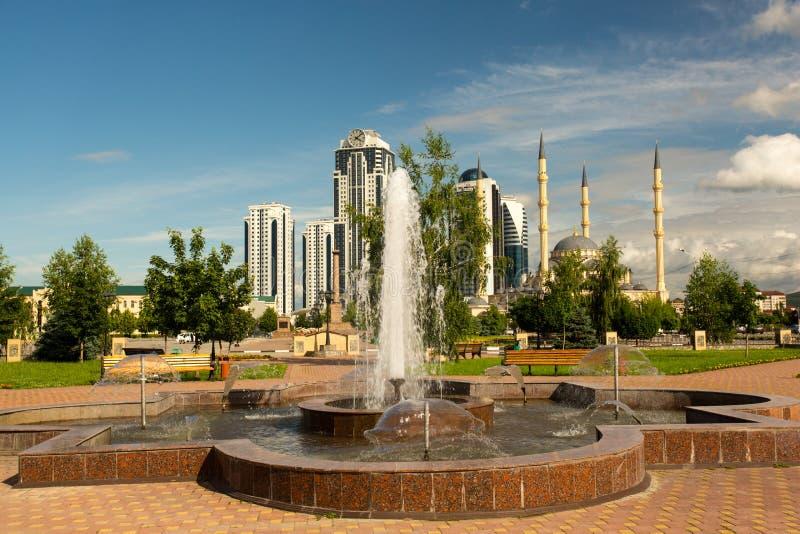 Grosny-Stadt - tschetschenische Hauptstadt lizenzfreie stockfotos