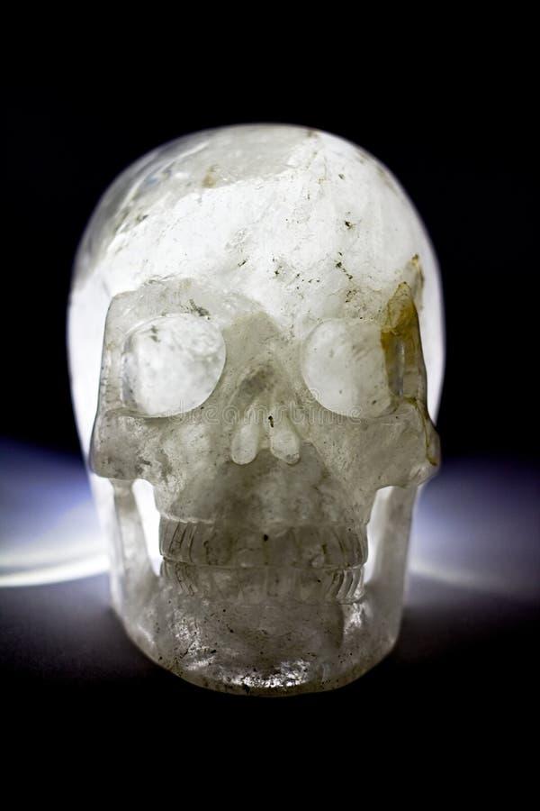 Grosor de cristal de cuarzo lechoso, color blanco, azul fotos de archivo