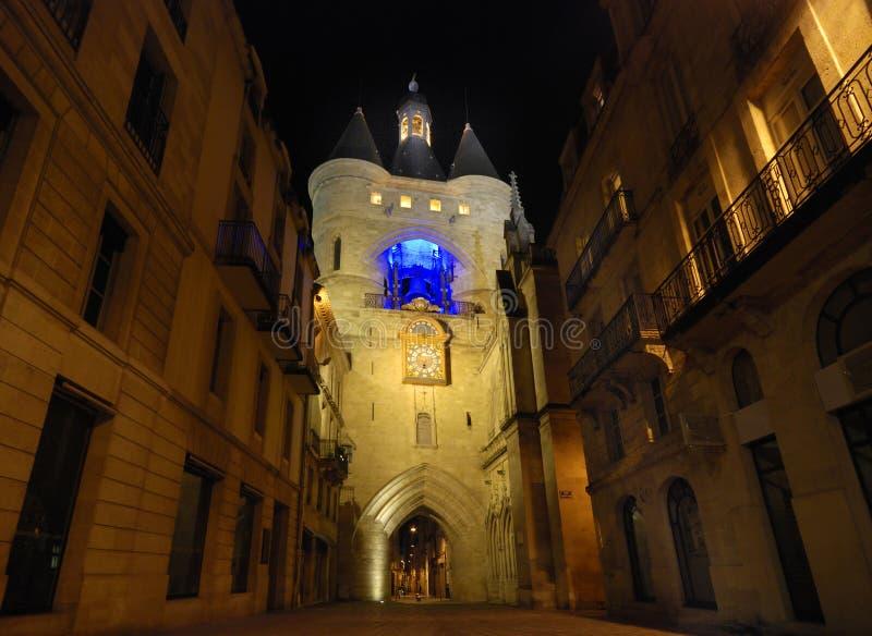 GRosse Cloche in Bordeaux bij night stock photos