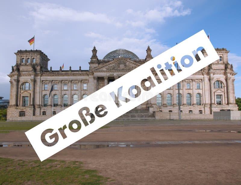Grosse Koalition over Reichstag-het parlement in Berlijn royalty-vrije stock foto's