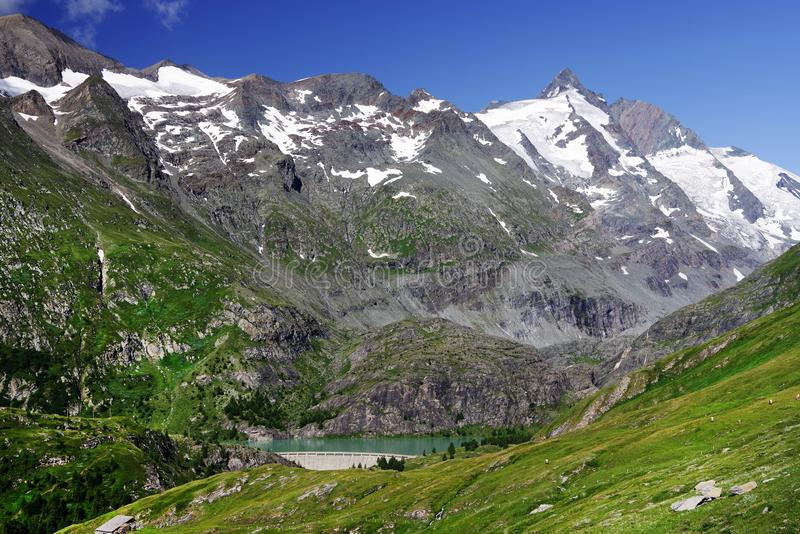 Grossglockner mountain und Margaritzen reservoir. royalty free stock images