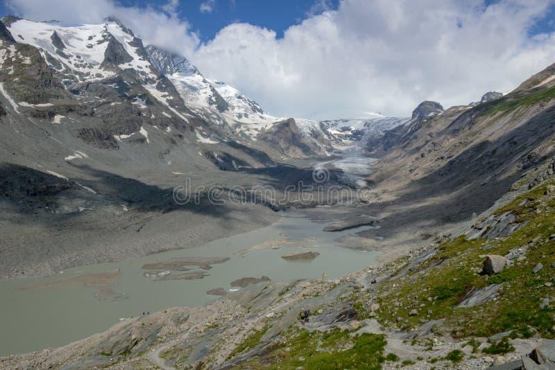 Grossglockner, a montanha a mais alta em Áustria com o Pasterze fotografia de stock