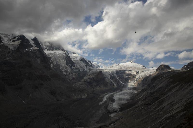 Grossglockner, montanha nos cumes de Áustria imagens de stock
