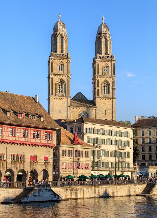 Grossmunster domkyrka i Zurich, Schweiz arkivbilder