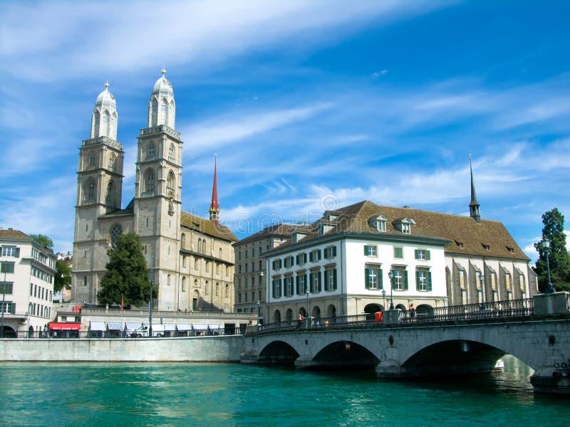 Grossmunster en Zurich imagen de archivo