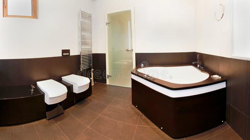 Grote badkamers royalty-vrije stock afbeelding