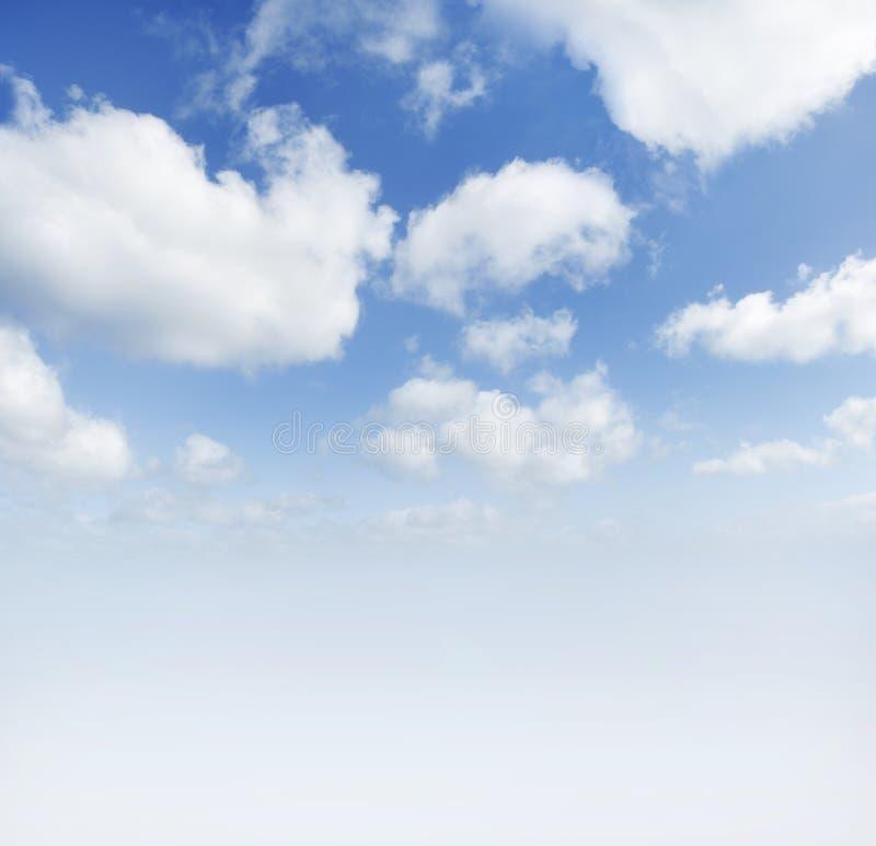 Grote blauwe hemel royalty-vrije stock foto