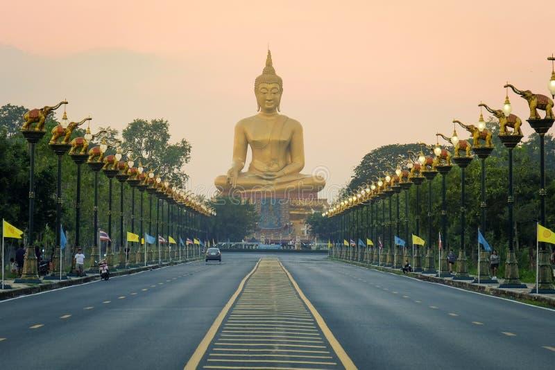 Grote Boedha in Singburi Thailand royalty-vrije stock afbeeldingen