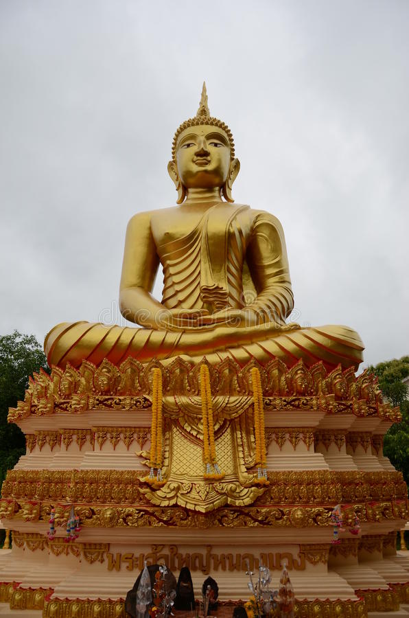Grote Boedha in Thailand stock foto's