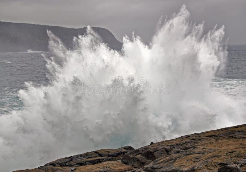Grote Brekende Golf stock foto
