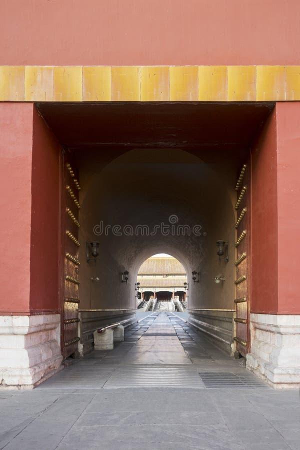 Grote deur bij ingangspoort voor Verboden Stad royalty-vrije stock foto