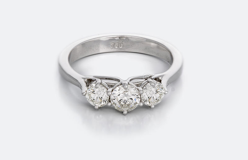 Grote Diamond Solitaire Engagement of Trouwring royalty-vrije stock afbeeldingen