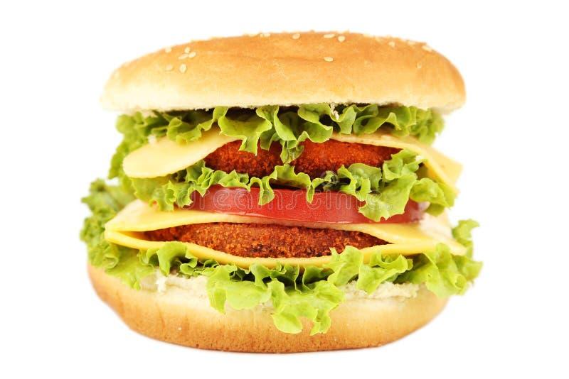 Grote die hamburger op wit wordt geïsoleerd royalty-vrije stock fotografie