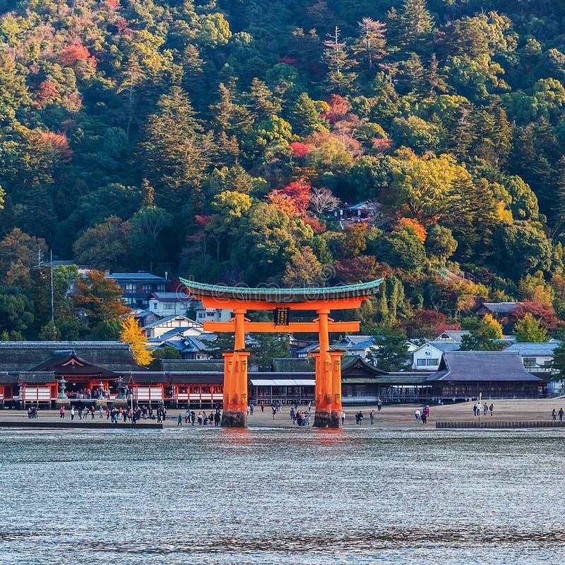 Grote drijvende poort (o-Torii) op Miyajima-eiland royalty-vrije stock fotografie