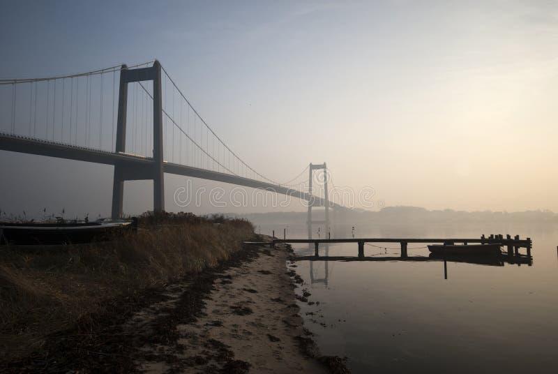 Grote en kleine brug royalty-vrije stock afbeeldingen
