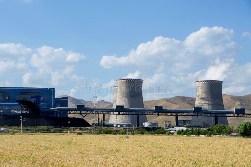Grote fabriek, thermo-elektrische krachtcentrale, het Globale het Verwarmen Rook Toenemen stock foto