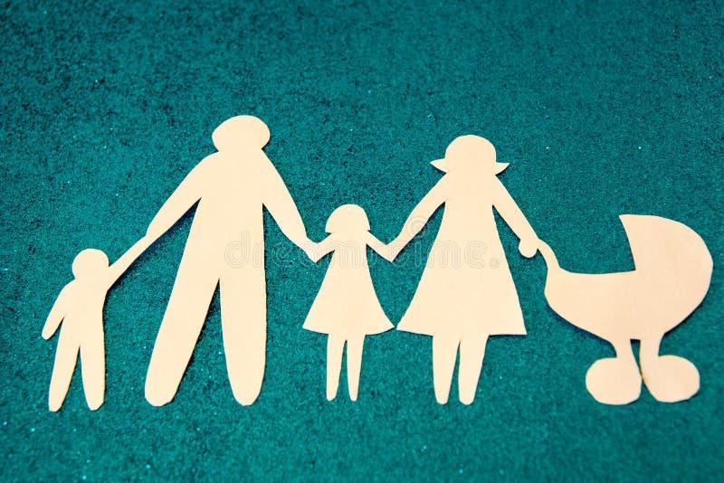 Grote familie De goedkeuring van kinderen Elk kind heeft het recht een moeder te hebben royalty-vrije stock foto's