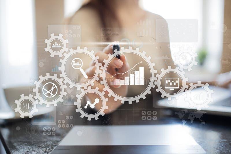 Grote gegevensanalytics Bi-bedrijfsintelligentieconcept met grafiek en grafiekpictogrammen op het virtuele scherm royalty-vrije stock afbeeldingen