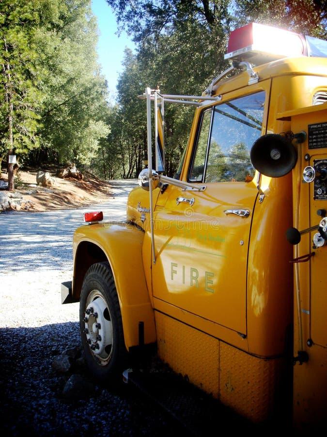 Grote Gele Vrachtwagen stock foto's