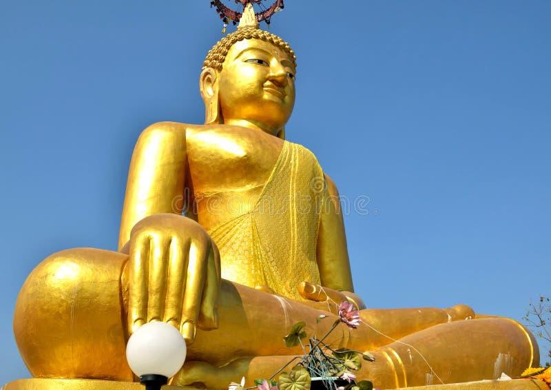 Grote het goud van Boedha stock foto