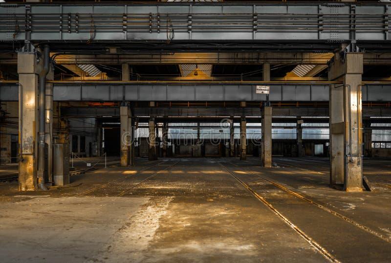 Grote industriële zaal van een reparatiepost royalty-vrije stock foto
