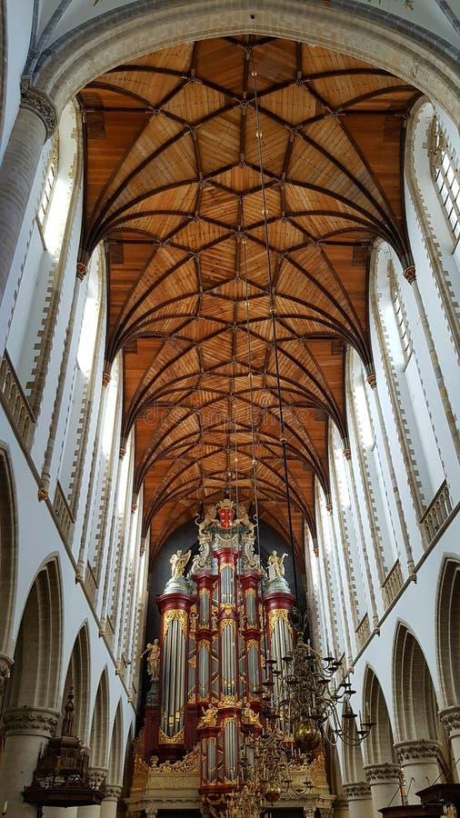 Grote Kerk eller St Bavokerk och berömt organ royaltyfria foton