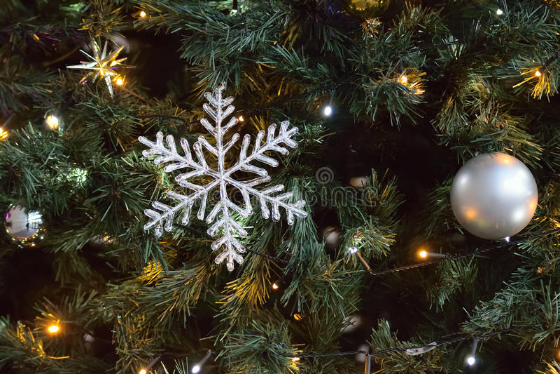 Grote Kerstboomornamenten royalty-vrije stock afbeelding